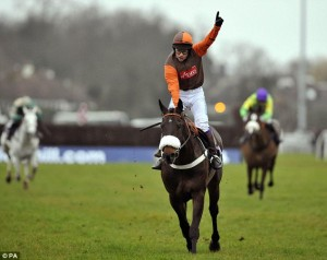 Long Run bids for Cheltenham Gold Cup 2012 glory