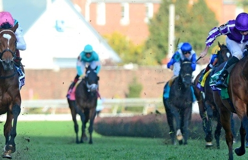 CHURCHILL DOWNS BREEDERS CUP 3-11-18. Breeders Cup Turf. ENABLE and Frankie Dettori (left) beats MAGICIAL for trainer John Gosden. Photo Healy Racing / Racingfotos.com