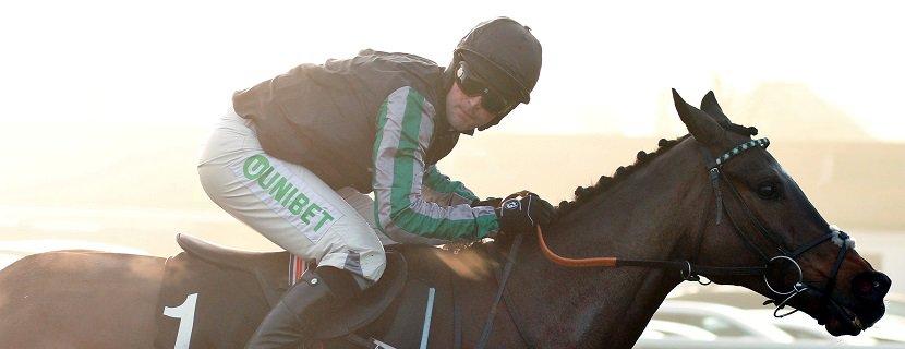 ALTIOR (Nico De Boinville) wins The Unibet Desert Orchid Chase Kempton 27 Dec 2018 - Pic Steven Cargill / Racingfotos.com