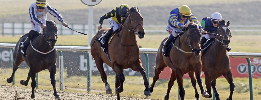GRACIOUS JOHN (2nd right, Fran Berry) beats ENCORE D'OR (centre) in The Betway Hever Sprint Stakes Lingfield 24 Feb 2018 - Pic Steven Cargill / Racingfotos.com