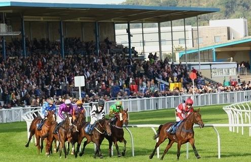 Racing at Newton Abbot round the stands bend. 10/10/2014 Pic Steve Davies/Racingfotos.com